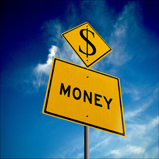 , 8 Simple But Highly Effective Ways To Make Money In Your Blog, startachim blog