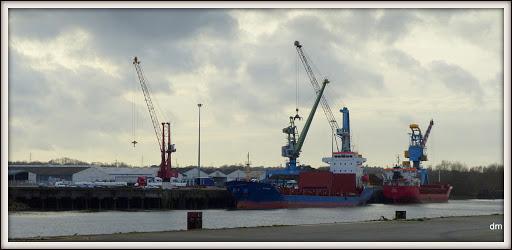 , Le port,vue sur la rive sud de la Loire,sous le pont de Cheviré, startachim blog, startachim blog